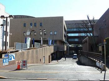 800px-Nishitokyo_city_hall_Tanashi_building.JPG