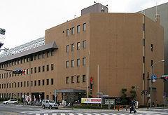 240px-Shimogyo-ward-office-01[1].jpg